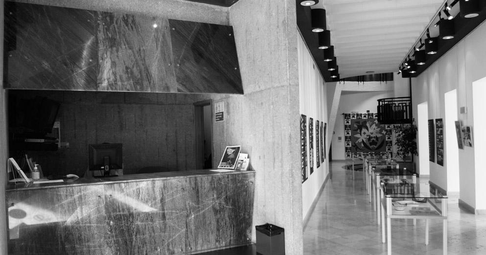 Biblioteca Municipal António Botto - Receção e Espaço de exposições